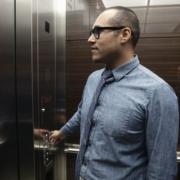 حبس شدن در آسانسور